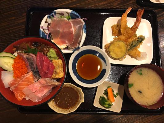 塚本鮮魚店 ・海鮮丼