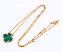 N.ストヤノビッチ選手がつけてたネックレスのブランド調べました♪【女子テニス選手】グリーンのネックレス